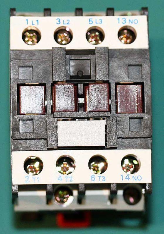 24 Volt Coil~ 50-60Hz Coil 3P + 1NO Contactor C-09D10A7